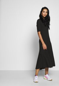 Monki - HALLEY DRESS - Jerseykjole - black - 1