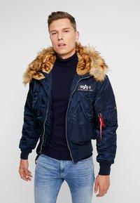Alpha Industries - HOODED CUSTOM - Light jacket - rep blue - 0
