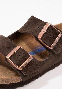 Birkenstock - ARIZONA SOFT FOOTBED - Klapki - mocca - 5