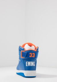 Ewing - 33 HI - Zapatillas altas - prince blue/vibrant orange/white - 3