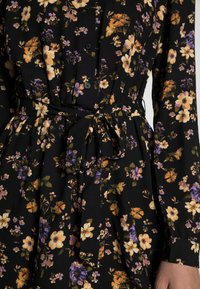 Anna Field - BELTED BLOUSE DRESS - Skjortekjole - black/lilac - 4