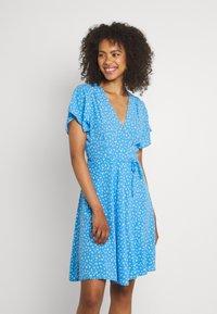 Rolla's - FLEUR LITTLE DAISY WRAP DRESS - Day dress - blue - 0
