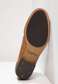 HUB - CHUCKIE - Kotníková obuv - cognac/nat - 4