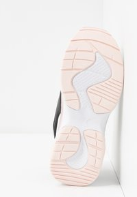 Puma - CILIA CHEETAH - Baskets basses - white/black/rosewater - 5