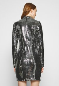 Missguided - FOIL SEQUIN HIGH NECK MINI DRESS - Cocktail dress / Party dress - black - 2