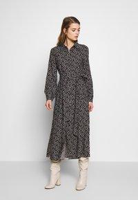 Monki - VENERA DRESS - Skjortekjole - black - 0