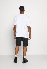 Nike SB - CARGO UNISEX - Shortsit - black - 2