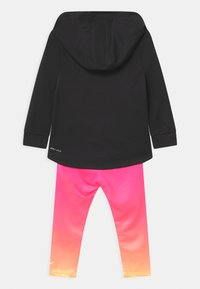 Nike Sportswear - GIRLS PLAY SET - Tracksuit - hyper pink - 1