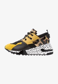 Steve Madden - CLIFF - Joggesko - yellow/multicolor - 1