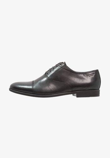 LINHOPE - Elegantní šněrovací boty - black