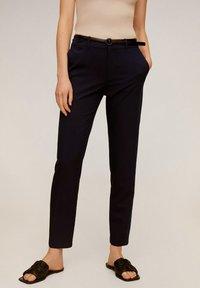 Mango - BOREAL - Spodnie materiałowe - dunkles marineblau - 0