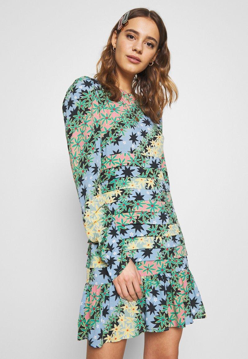 Never Fully Dressed - MONACO JOHANNA PRINT DRESS - Kjole - blue