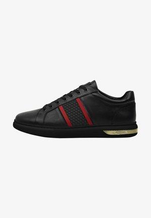 BLADE LOW TOP - Sneakers laag - black