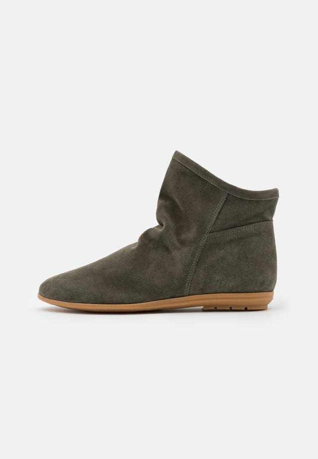 Classic ankle boots - kaki