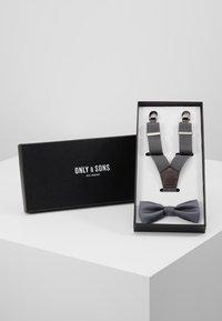 Only & Sons - ONSBOWTIE SUSPENDER SET - Bow tie - glacier gray - 0