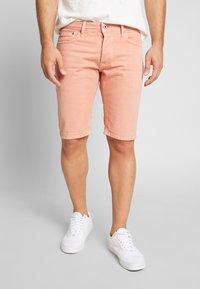 Pepe Jeans - STANLEY - Denim shorts - sundown - 0
