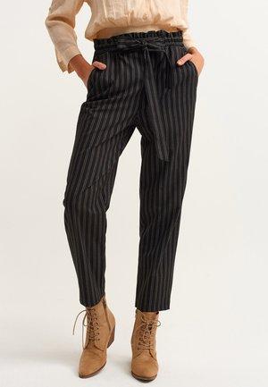 PAPERBAG - Trousers - black stripe