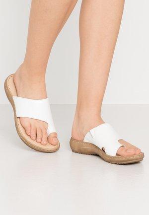 SLIDES - Sandály s odděleným palcem - white