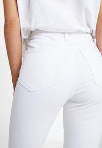 Topshop Petite - NEW WASH JAMIE - Jeans Skinny Fit - white - 3