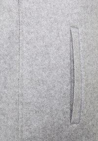 ONLY Petite - ONLSIRI BONDED HOOD COAT - Kort kappa / rock - light grey melange - 2