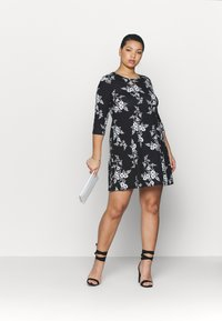 CAPSULE by Simply Be - DIPPED HEM SWING DRESS - Jersey dress - black/white - 1
