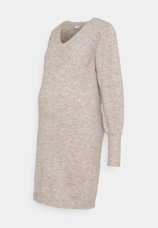 PCMPAM VNECK DRESS - Gebreide jurk - warm taupe