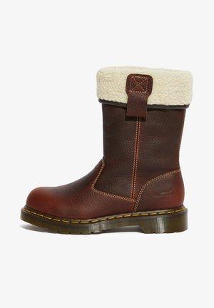 Boots - teak