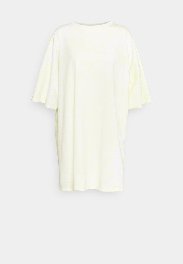 TIE DYE DRESS - Sukienka z dżerseju - yellow tie dye