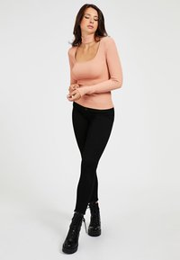 Guess - CUT-OUT - Long sleeved top - rose