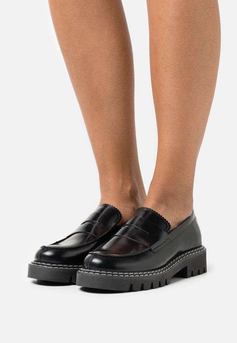 Selected Femme - SLFVEGA PENNY LOAFER - Slip-ons - black
