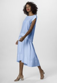 Apart - Robe longue - lightblue - 1