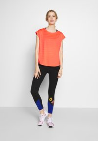 Even&Odd active - Print T-shirt - coral - 1