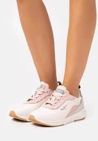 Pepe Jeans - Nº22 WOMAN - Trainers - light pink - 0