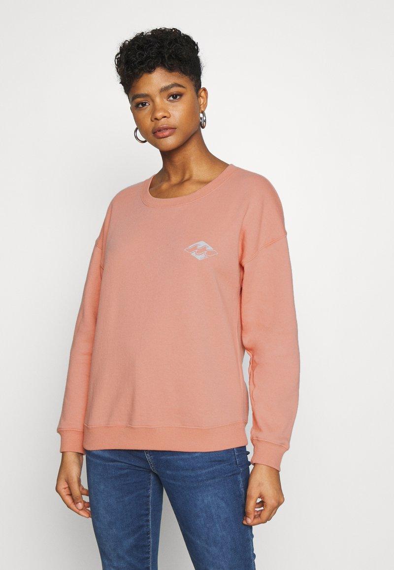 Billabong - ALLETA - Sweatshirt - washed coral