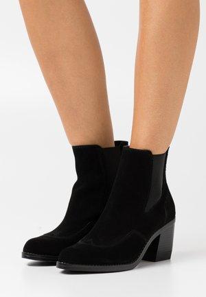 TACOMA BOOT - Kotníkové boty - black