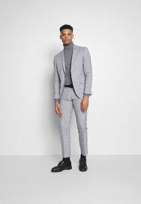 Limehaus - WINDOWPANE SUIT - Suit - grey - 1