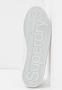 Superdry - SKATER SLEEK - Trainers - smoke rose - 6