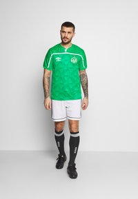 Umbro - CHAPOCOENSE HOME - Pelipaita - green/white - 1