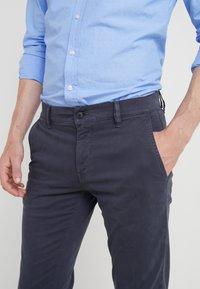 BOSS - REGULAR FIT - Trousers - blaugrau - 3