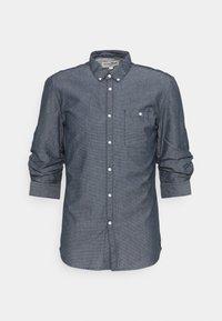 TOM TAILOR DENIM - FIXED TURN UP - Shirt - navy/white - 0