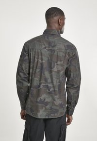 Brandit - SLIM FIT - Shirt - olive - 2
