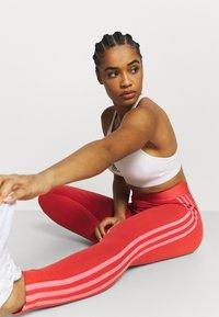 adidas Performance - Leggings - crew red/hazy rose - 3