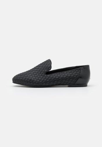EMERSYN - Slip-ins - black