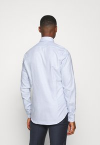 Calvin Klein Tailored - STRUCTURE EASY CARE SLIM SHIRT - Formal shirt - blue - 2
