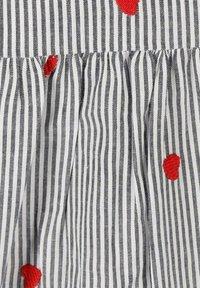 Zwillingsherz - Day dress - grau/weiß - 2