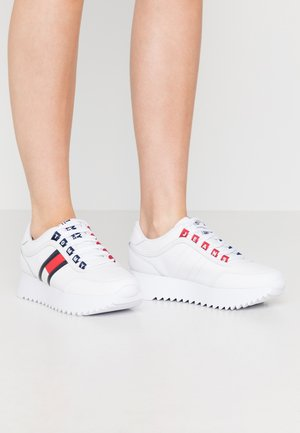 HIGH CLEATED  - Sneaker low - white