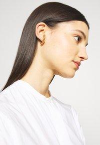Vibe Harsløf - HOOP CHAIN LARGE  - Earrings - gold - 1