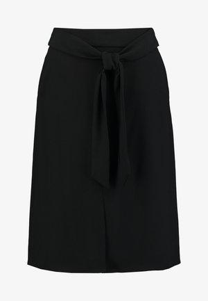 MATT SHINY - A-line skjørt - black