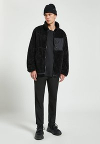 PULL&BEAR - Fleece jacket - mottled black - 1