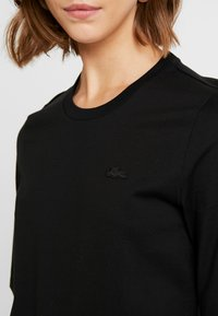 Lacoste - ROUND NECK CLASSIC TEE - Basic T-shirt - black - 5